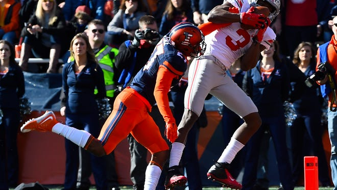 Ohio State's Michael Thomas catches a touchdown pass in Saturday's 28-3 win at Illinois.