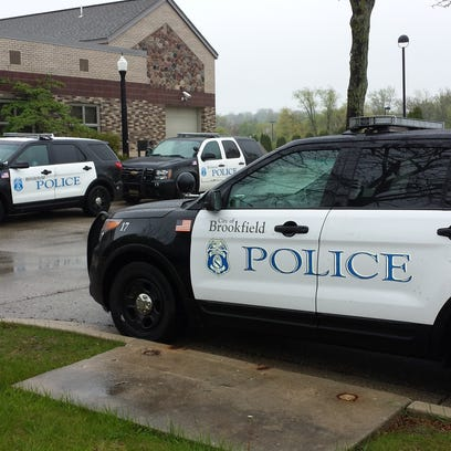 Brookfield and Elm Grove Police Report: Car broken into, purse stolen at cemetery