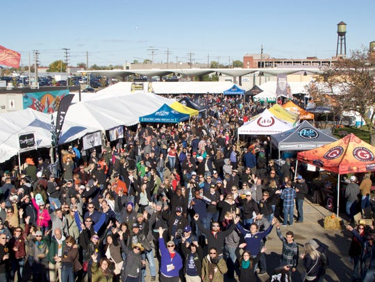 An aerial view of the crowd at the 2016 Detroit Beer