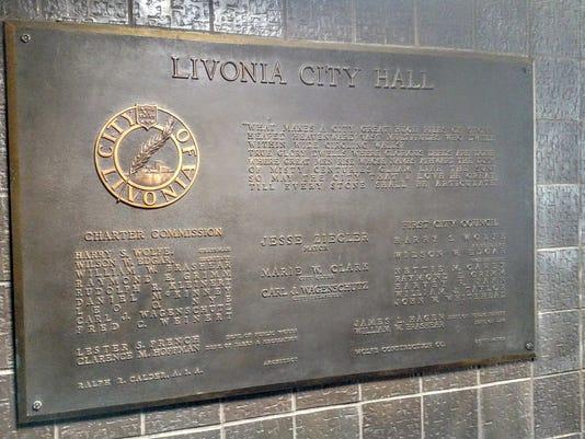 636293150507392504-City-hall-plaque.jpg