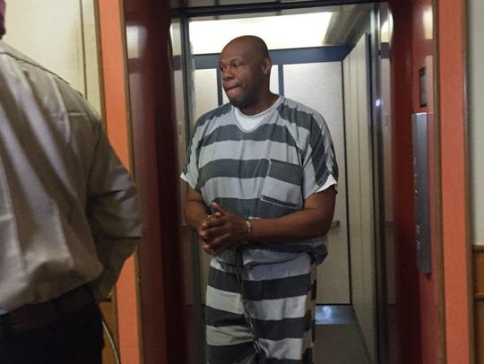 Tony Ledbetter appears at the Lincoln County Courthouse