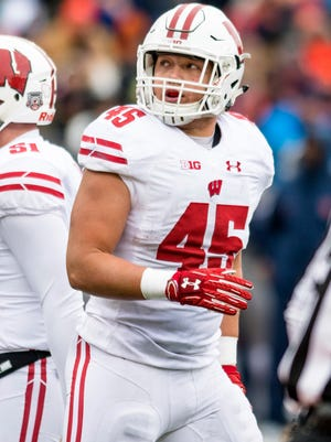 Wisconsin fullback Alec Ingold scored on a 1-yard touchdown run against Illinois.