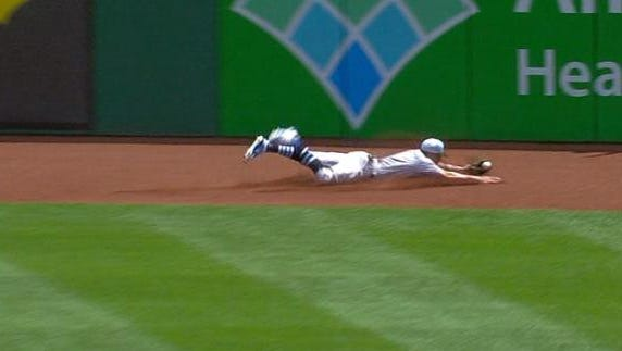 Screengrab of Billy Hamilton's first-inning catch in Pittsburgh on Sunday.