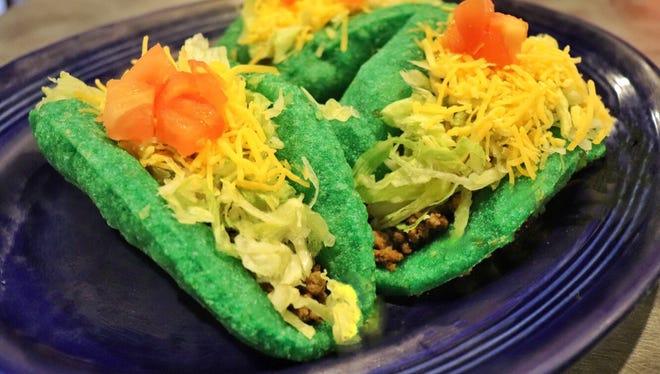 El Charro puffy green tacos
