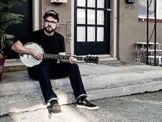 McDougall, a one-man-band playing folk, blues and old-time tunes, will play a free concert at Boon's on Saturday.
