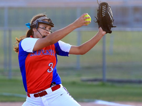 Gregory-Portland's Sydney Ouellette pitches against
