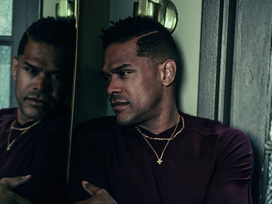 "R&B star Maxwell brings his ""50 Intimate Nights Live"""
