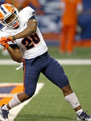 UTEP's Walter Dawn celebrates after scoring a touchdown against UTSA during the first half on Sarturday.