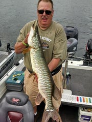 Larry Emerson Tiger Musky - 40 inch.jpg