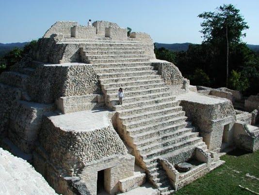 635490706405630024-mayans