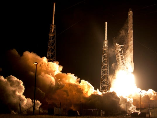 Video shows spacex rocket 39 s fiery crash landing for Space station usa