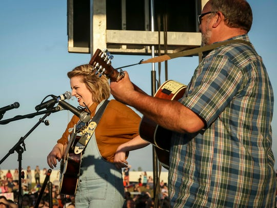 American Idol finalist Maddie Poppe and her father