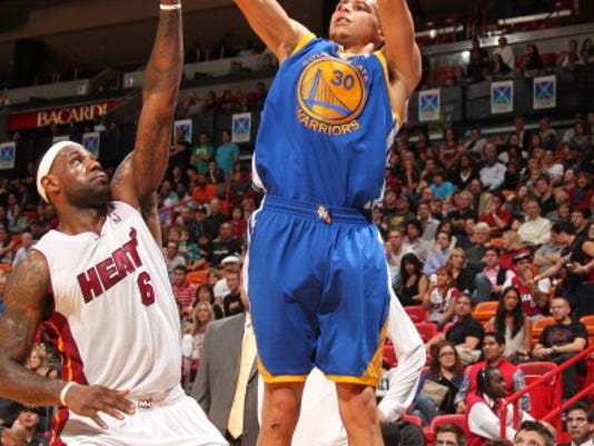 MNCO 0814 Steph Curry says he's a better offensive player than LeBron James.jpg