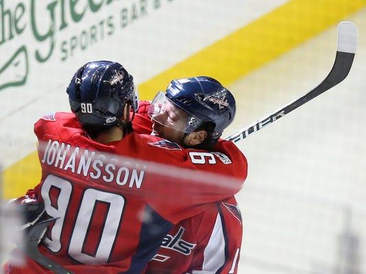 USP NHL: STANLEY CUP PLAYOFFS-TORONTO MAPLE LEAFS S HKN WSH TOR USA DC