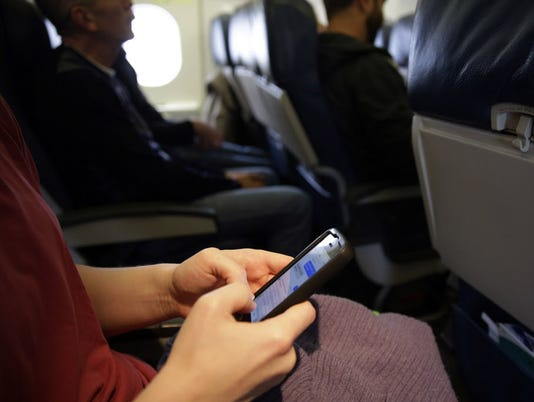 AP CELLPHONES PLANES A FILE USA MA