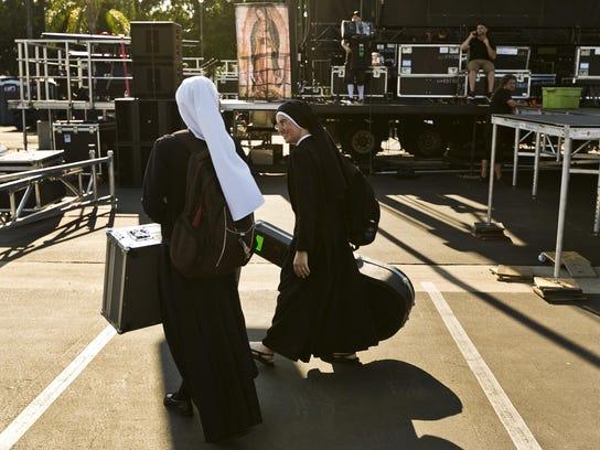 Rock N Roll Nuns (3)