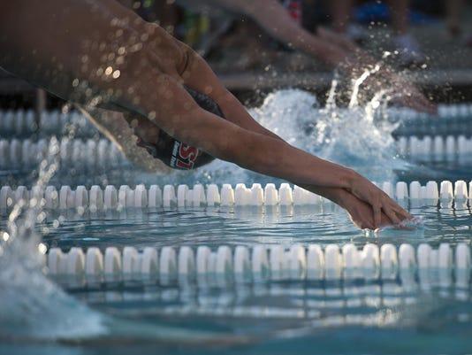 BUR20150702swim5