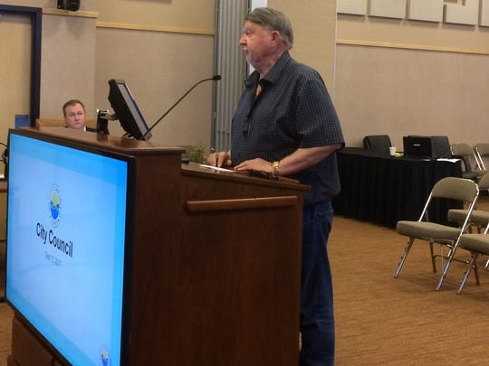 David Wood, president of Railway Museum of San Angelo, speaks to City Council.