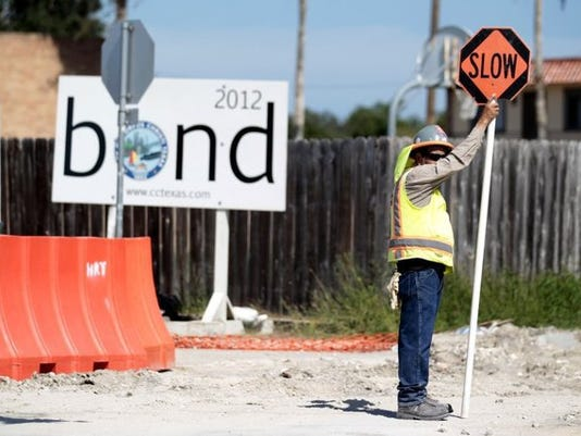 bonds_12842245_ver1.0_640_480.jpg