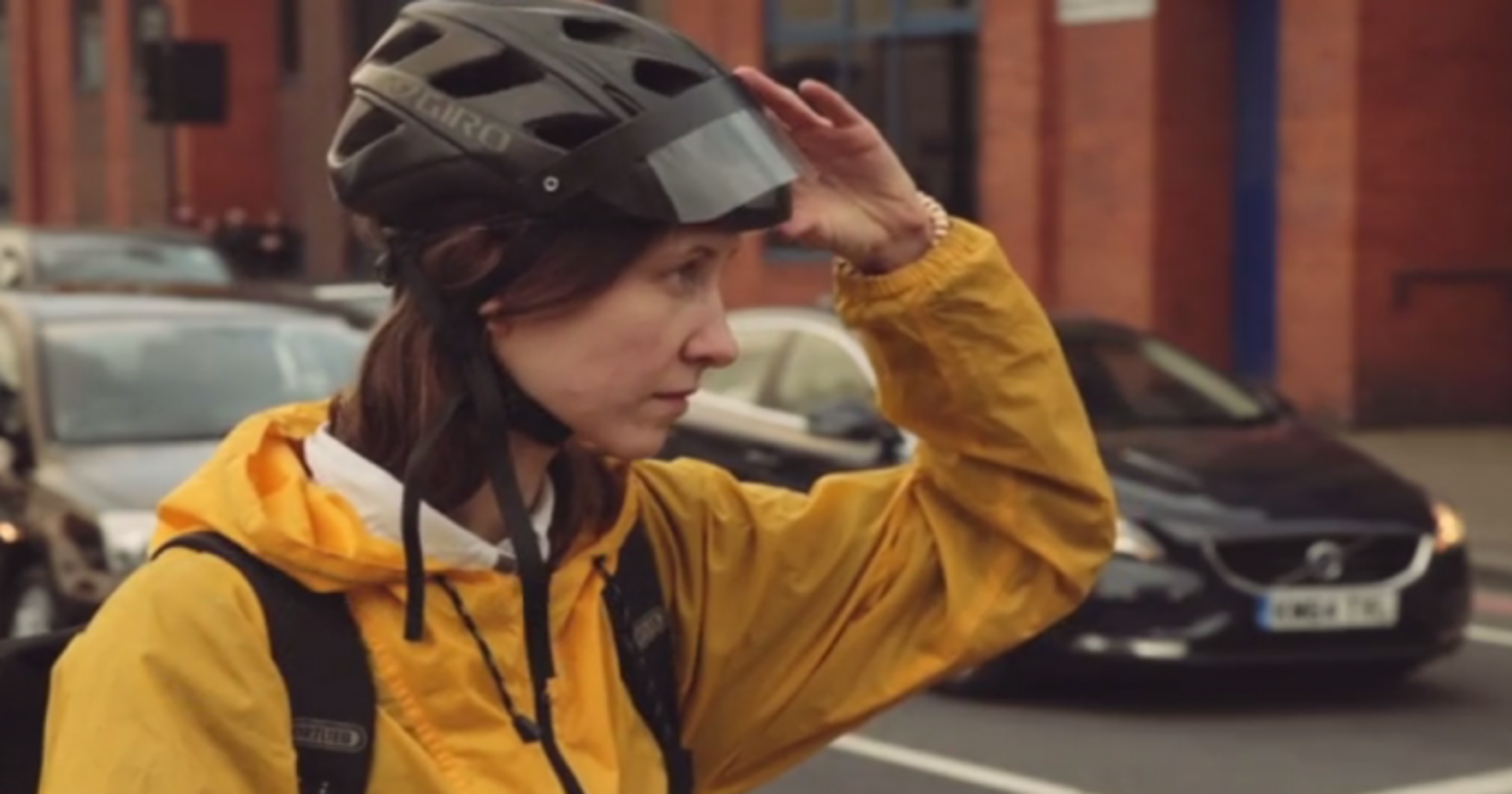 056fcc32b553 This awkward-looking augmented reality helmet could make cycling way safer