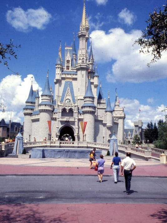635917497671877144-DisneyWorldCastle.jpg