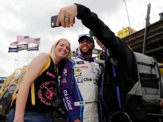 NASCAR_Dover_Auto_Racing_39369.jpg