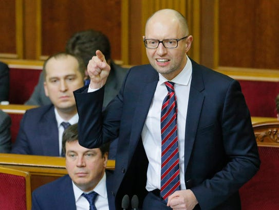 Ukrainian Prime Minister Arseniy Yatsenyuk, right,
