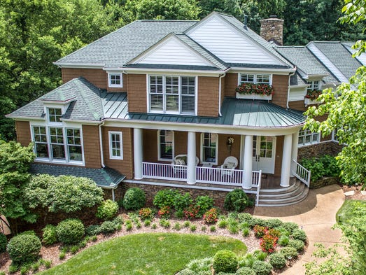Designed by an award-winning architect, this unusual New England shingle style house looks like an upscale summer house in Maine, but it's for sale in Brentwood for $1,899,900.