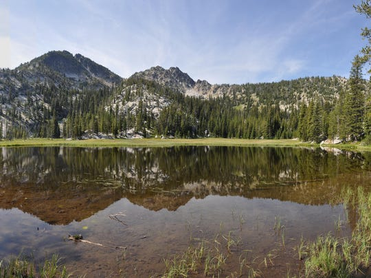 An easy 2.9-mile loop from Anthony Lake's campground takes you to the Hoffer Lakes in Eastern Oregon.
