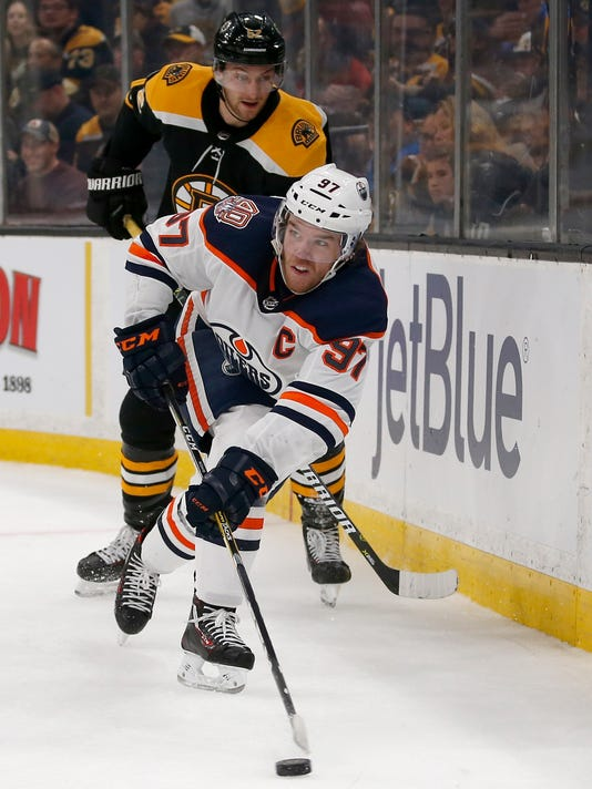 Oilers_Bruins_Hockey_50682.jpg