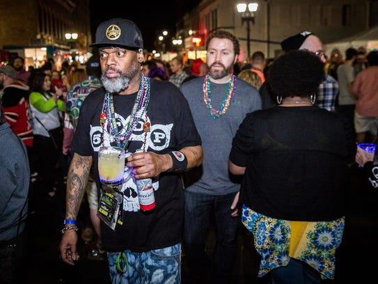 Hundreds attend Muncie Gras 2017 in downtown Muncie