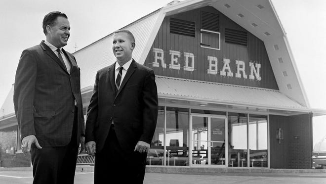 """Red Barn was known for being """"coast to coast"""" with multiple locations. This photo is from July 8, 1966, before a Nashville grand opening."""