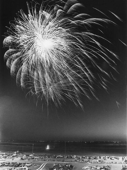 Fireworks+from+Mall+in+1980.jpg