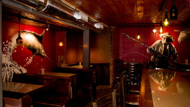 The cozy barroom of the Cascade Lounge.