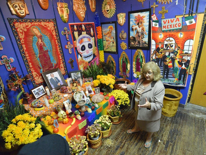 Gloria Rosas talks about the ofrenda for her late husband