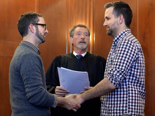 AP GAY MARRIAGE MISSOURI A USA MO