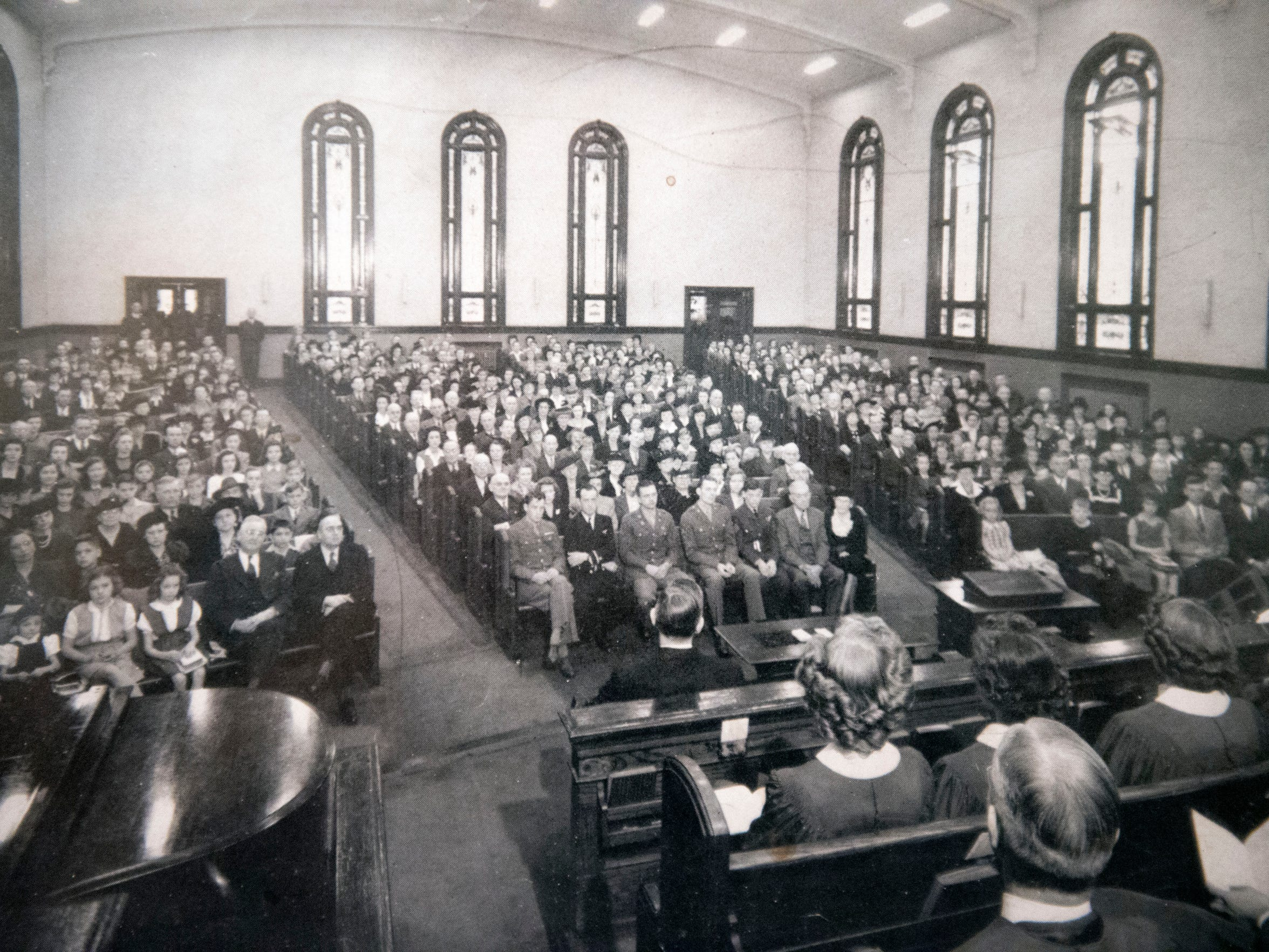 Undated photo of a filled worship hall at Fifth Ave. Baptist Church.