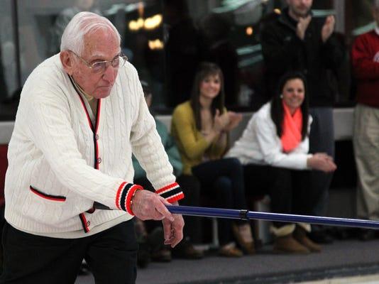 -WDHBrd_01-09-2013_Herald_1_A001~~2013~01~08~IMG_WDH_0109_Curling_02._1_1_GR.jpg