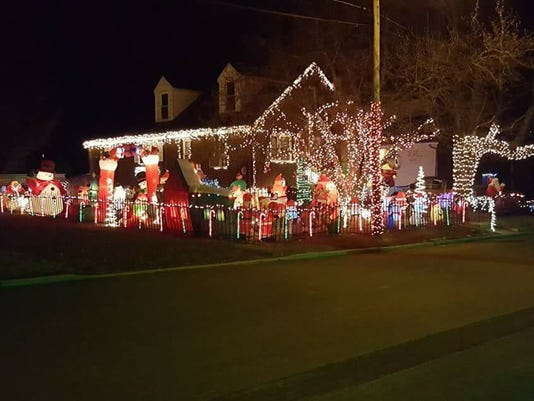 636473782643976882-lights.jpg