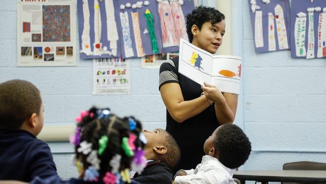 Art teacher Karana Hales teaches composition in her class at the Mann Elementary School in Detroit, Thursday, November 9, 2017.