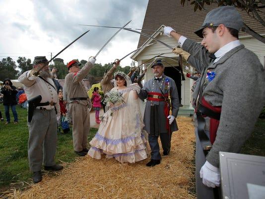 636224453411129950-Civil-War-Wedding-08.JPG