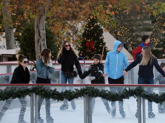 Ice Skating at The Lakes 1