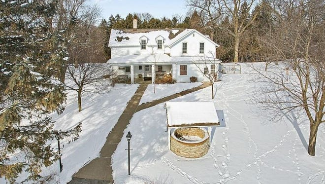 Appleton Coated's farm guesthouse is for sale for $1 million in Combined Locks.