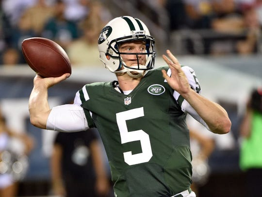 Matt Simms in action for the New York Jets.