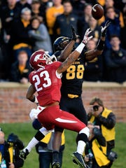 Missouri receiver Jimmie Hunt (88) catches a touchdown pass during a game against Arkansas in Columbia, Mo., last November.