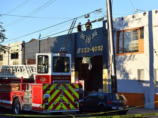 AP APTOPIX OAKLAND FIRE A USA CA