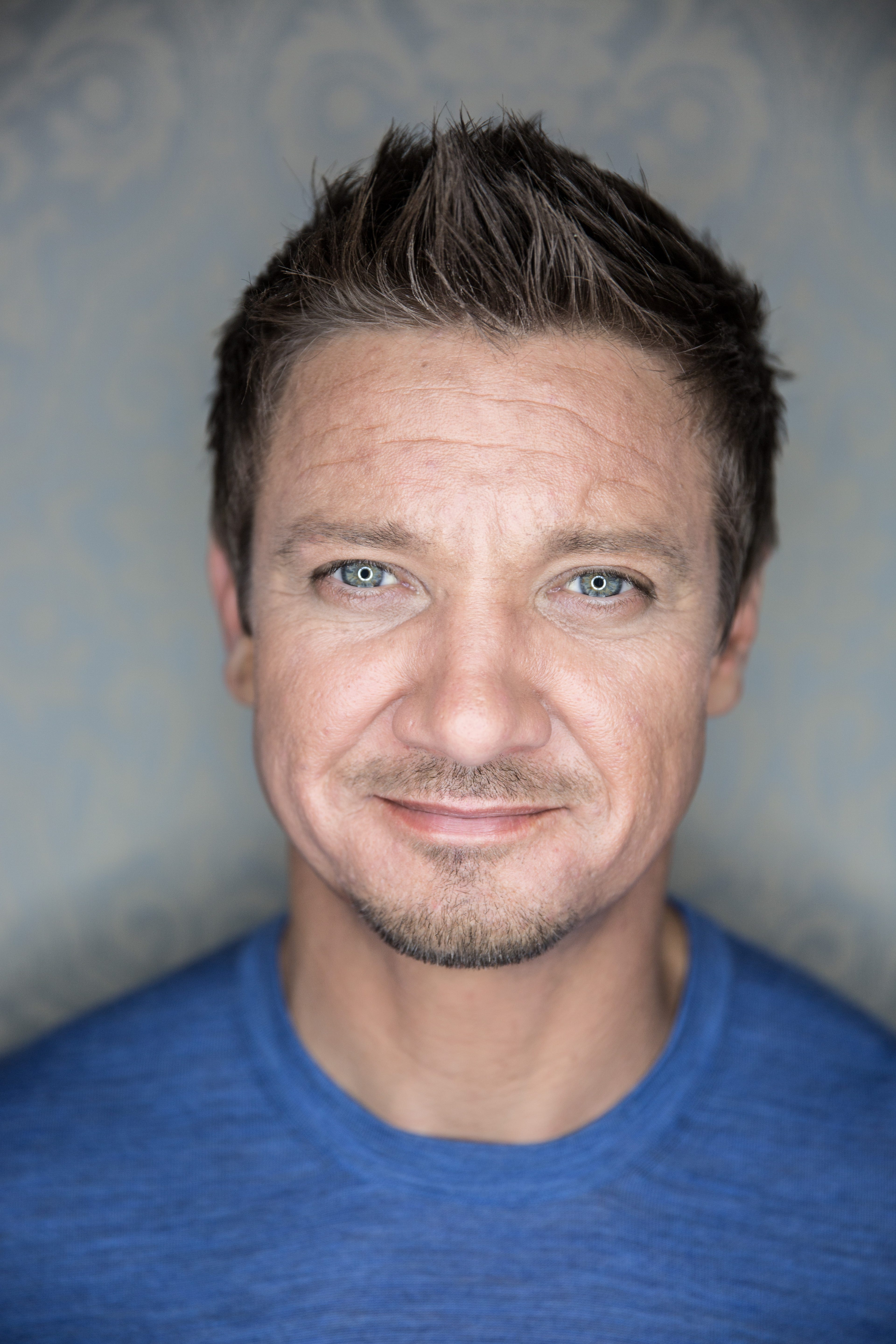 jeremy renner bt mobile