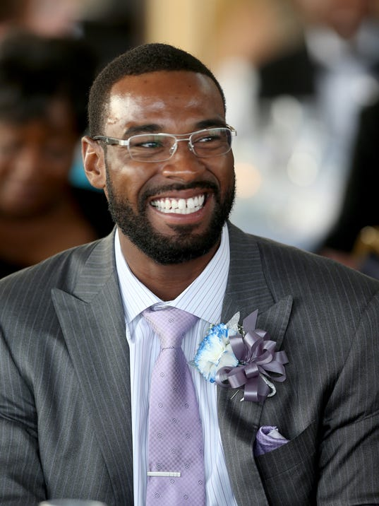 Ex lions wr calvin johnson is getting married saturday