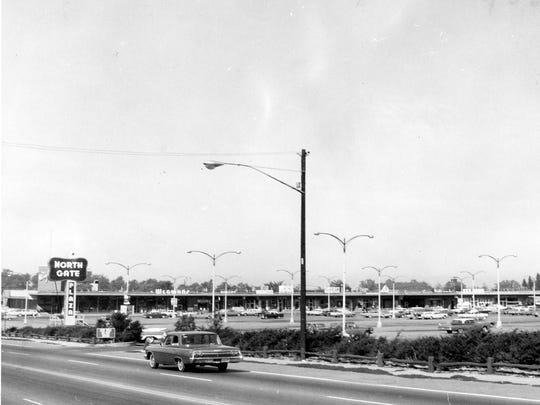 Northgate Plaza in Greece in 1963 included Wegmans and a W.T. Grant location.
