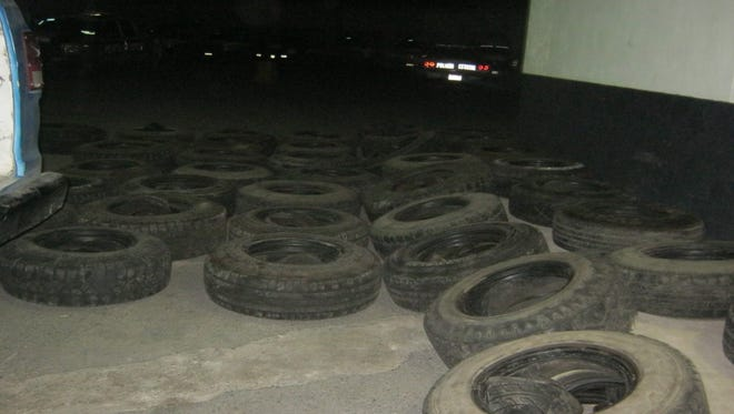 Chihuahua state police seized 576 used tires that were bought in El Paso and taken illegally into Juárez, authorities said.